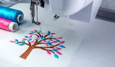 Cómo bordar en máquina de coser casera Different Stitches, Types Of Stitches, Embroidery Flowers Pattern, Flower Patterns, Best Embroidery Machine, Embroidery Machines, Sewing Tutorials, Sewing Patterns, Fathers Day Art