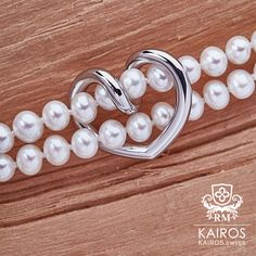 Silver heart bracelet with fresh water pearl and magnetic closure by KAIROS. Water Pearls, Heart Bracelet, Fashion Bracelets, Fresh Water, Pearl Earrings, Closure, Silver, Jewelry, Jewerly