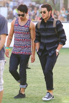 #joejonas #nickjonas Find the best deal on festival tickets by comparing tickets from all over the web: www.rukkus.com/