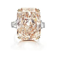 Trendy Diamond Rings : Magnificent Jewels Christies New York diamant I Love Jewelry, Fine Jewelry, Jewelry Design, Jewellery, Champagne Diamond Rings, Pink Champagne, Solitaire Diamond, Pearl Diamond, Carat Gold