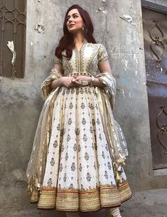 and stun in these all white traditional outfits Whose look. and stun in these all white traditional outfits Whose look is your favourite Pakistani Frocks, Pakistani Actress, Pakistani Outfits, Indian Outfits, Pakistani Bridal, Shadi Dresses, Eid Dresses, Indian Dresses, Anarkali Frock