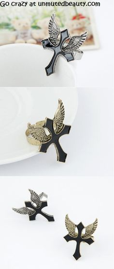 Winged Cross Ring $4