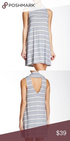 Socialite cowl neck sleeveless dress size S Socialite ivory navy cowl neck sleeveless dress NWT size S 6-1205 Socialite Dresses Mini