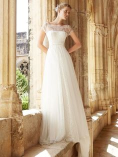 Raimon Bundó 2015: vestidos de novia elegantes y sencillos Image: 10