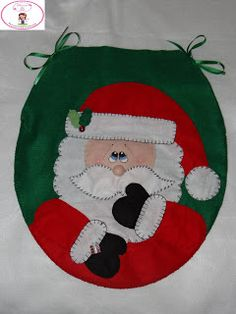 Psicoarte da Tati: Capa de Papai Noel Para Tampa de Vaso Sanitário Christmas Humor, Christmas Crafts, Christmas Decorations, Holiday Decor, Nutcracker Christmas, Christmas Stockings, Santa Clus, Felt Crafts, Diy And Crafts