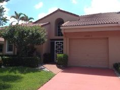 Jeanette Riccardi has just listed a Townhouse in Sweetwater, Boca Raton