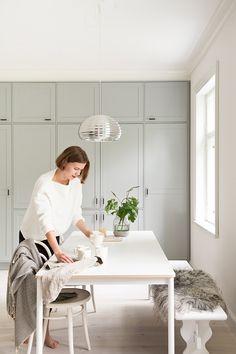 Vanhan talon keittiössä. Pihkala-blogin Maijan keittiö uudistui Unique Home -kalusteilla.