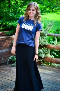 How to wear a tshirt with a skirt without looking frumpy