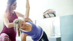 Trainers, sportdocenten, fysiotherapeuten. Ze lijken er allemaal bij te zweren: een goede core-stability. Een sterke core is niet alleen noodzakelijk voor het optimaliseren van je sportprestaties of het voorkomen van blessures, maar zorgt ook voor een goede houding. Hoogste tijd om aan je core te werken dus!