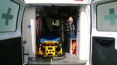 """FOTOGRAFÍA CON TU UNIDAD O EQUIPO  Nuestro compañero y Paramédico @Adrian Delgado Nazareno, desde Esmeralda, Ecuador, nos envió imágenes de 2 unidades del """"ECU 911"""", Servicio Integral de Emergencias del país. Dentro de este servicio, el Ministerio de Salud Pública comanda las emergencias sanitarias, trabajando en conjunto con Bomberos y Cruz Roja. Las fotos de hoy, son de una Ford. .... http://ambulanciasyemerg.blogspot.com.es/2014/06/fotografia-con-tu-unidad-o-equipo_28.html"""
