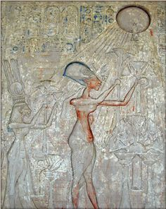 Tutankhamun was the ancient Egyptian pharaoh, known affectionately as King Tut, whose lavish and intact tomb was discovered in 1922 by Howard Carter. Learn more about the Boy King here. Egyptian Queen Nefertiti, Egyptian Pharaohs, Egyptian Mythology, Ancient Egyptian Paintings, Egyptian Art, Egyptian Drawings, Distance Focale, The Boy King, Fresco