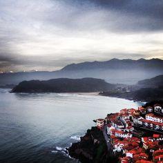 Tarde de domingo en Lastres. #Asturias