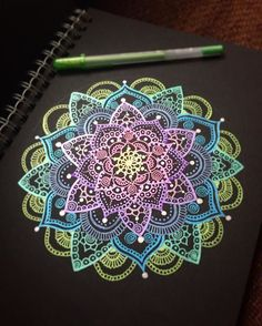Inspiration - Gel pen on black paper, mandala Mandala Drawing, Mandala Painting, Dot Painting, Gel Pen Art, Gel Pens, Mandala Pattern, Zentangle Patterns, Zentangles, Creation Art