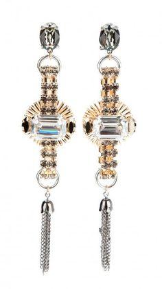 ANTON HEUNIS Pendiente de fiesta largo, cristales facetados blancos y grises, borla con cadenas rodio y pieza central dorada - Earrings- Jewellery - Dresseos