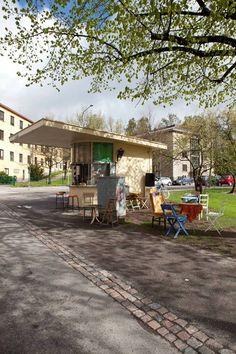 Käpylän lippakioski Helsinki, Shades Of Green, Finland, Architecture, House Styles, City, Spring, Outdoor Decor, Historia