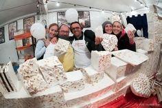 Festa do Torrone de Cremona bate recordes - http://chefsdecozinha.com.br/super/noticias-de-gastronomia/festa-do-torrone-de-cremona-bate-recordes/ - #Superchefs, #Torrones