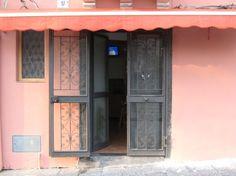 Casa indipendente con una camera matrimoniale , angolo cottura e bagno ( 40 euro a notte );più camera matrimoniale e lettino con angolo cottura e bagno (60 euro a notte).Animali ammessi,struttura per disabili ;100 m.dal centro urbano della città - See more at: http://annuncigratistop.it/ads/casa-vacanze-2/#sthash.KRPD7JKE.dpuf