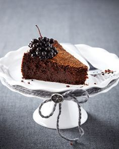 No one will believe this chocolate cake is made with cooked quinoa – no flour required!