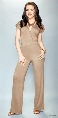 Ariadne luce, palazzo de moda en color kaki Ariadne Diaz, Palazzo, Jumper, Jumpsuit, Actors, Outfits, Celebrities, Color, Clothes