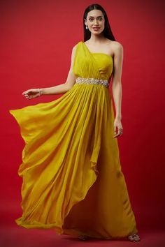 Designer Gowns, Indian Designer Wear, Indian Fashion Modern, Yellow Gown, Off Shoulder Gown, Maxi Gowns, Gown Dress, Indian Look, Saree Trends
