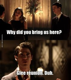 I am absolutely obsessed with both glee and arrowverse (mostly the flash) this is the best thing EVER!♥️♥️♥️ Darren Criss (not only the actor from glee but also Harry Potter in the AVPM series), Melissa Benoist, and Grant Gustin Memes Pt, Glee Memes, Glee Quotes, Arrow Flash, O Flash, Superhero Shows, Superhero Memes, Movies And Series, Cw Series