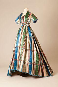 Na Inglaterra, exposição reúne os 50 vestidos mais incríveis dos últimos 100 anos | Chic - Gloria Kalil: Moda, Beleza, Cultura e Comportamento