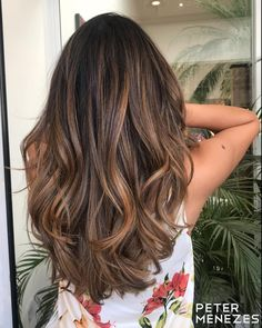 50 Ideas for Light Brown Hair with Highlights and Lowlights- Espresso Brown Hair with Cinnamon Highlights – Dark Brown Hair With Blonde Highlights, Brown Ombre Hair, Brown Hair Balayage, Ombre Hair Color, Light Brown Hair, Light Hair, Colored Highlights, Cinnamon Brown Hair Color, Brown Hair With Lowlights