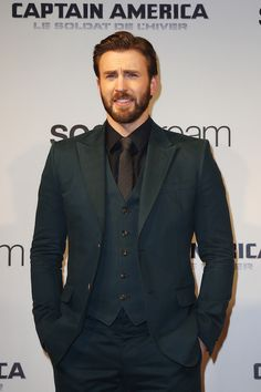 Image from http://images.designntrend.com/data/images/full/17270/chris-evans.jpg.