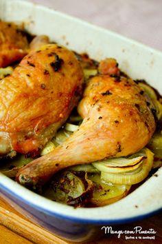 Sobrecoxas e Coxas Assadas em uma cama de batata {Comfort Food}, receita maravilhosa para o seu almoço em família. Para ver o modo de preparo, clique na imagem.