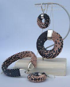 Crochet Beaded Bracelets, Bead Crochet Rope, Bead Loom Bracelets, Beaded Bracelet Patterns, Bead Patterns, Beaded Jewelry Designs, Handmade Beaded Jewelry, Bead Jewellery, Bead Earrings