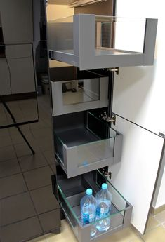 Szafka typu Cargo z szuflad Legrabox firmy Blum Modern Kitchens, Kitchen Interior, Shoe Rack, Kitchen Ideas, Top, House, Home Decor, Apartments, Home