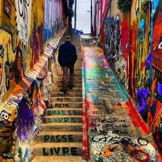 Walking around in Valparaiso, Chile is so much more fun when there's crazy street art to help you forget the uphill battle. photo by Chili Travel, Travel Chile, South America Destinations, South America Travel, Europe Destinations, North America, Places To Travel, Places To Visit, Street Art