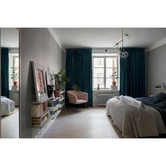 Bedroom at #mariaprästgårdsgata listing now 📸 @annamalmbergphoto 🛠 @katiathoger #bedroom #scandinavianinterior #deco