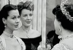 Vivien Leigh with the Queen Mother.