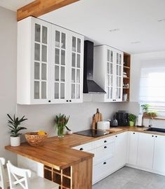 35 suprising small kitchen design ideas and decor 23 - Küche Ideen Apartment Kitchen, Home Decor Kitchen, New Kitchen, Kitchen Small, Small Kitchen Designs, Small House Kitchen Ideas, Small Kitchen Inspiration, Compact Kitchen, White Kitchen Wall Ideas