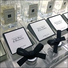 While the designer may not be, this Jo Malone Fragrance Tester Bar Display offerers a rank-and-file approach to try-me samplers. Bar Displays, Merchandising Displays, Perfume Testers, Lime And Basil, Retail Fixtures, Cosmetic Display, Jo Malone, Trays, Perfume Bottles