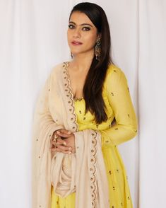 Like It 👍 or Love It ❤ Kajol Devgan for promotions ❤❤❤ . Outfit ~ Ring 💍 ~ Earrings 💟 ~ Hair 💇 ~ Styled By 👰 ~ . Indian Film Actress, Beautiful Indian Actress, Indian Actresses, Bollywood Heroine, Bollywood Actress Hot Photos, Indian Bollywood, Bollywood Stars, Bollywood Girls, Traditional Looks