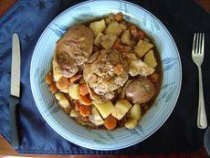 Bouilli de côtelettes de porc au four #recettesduqc #souper #porc #comfortfood