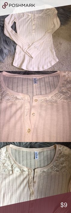 Victoria's Secret 💋 tee shop lace ribbed top Peach Long sleeve accent lace ribbed top! Worn once, in very good condition no stains etc. smoke free home Victoria's Secret Tops Tees - Long Sleeve