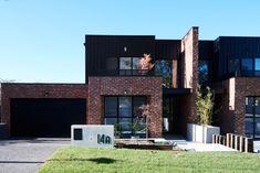 Modern Brick House, Modern House Design, House Cladding, Facade House, Modern Exterior, Exterior Design, Timber Stair, Duplex Design, House Extension Design