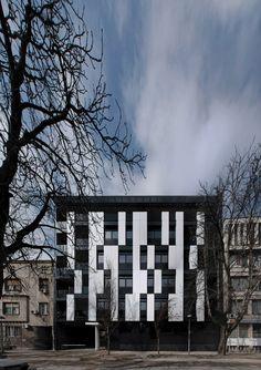 Residential Building in Vase Stajića Street / Kuzmanov and Partners