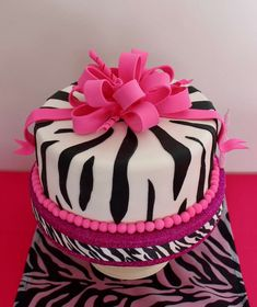 Violeta Glace 's Birthday / Animal Print - Photo Gallery at Catch My Party Torta Animal Print, Animal Print Party, 30 Birthday Cake, Birthday Parties, Surf Cake, Seashell Cake, Pool Cake, Beach Wedding Cake Toppers, Nautical Cake