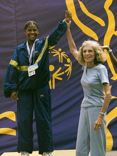 Eunice Kennedy Shriver Special Olympics | Eunice Kennedy Shriver poses with an athlete at the 1999 Special ...