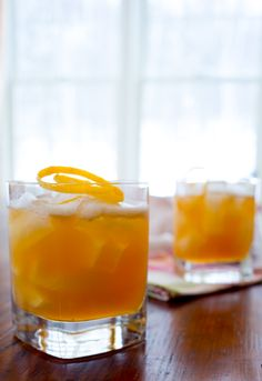 Blog post at Healthy Seasonal Recipes : Here is a recipe for a from-scratch whiskey sour cocktail with maple and Meyer lemon in time for this month's healthy drinks theme for the[..]