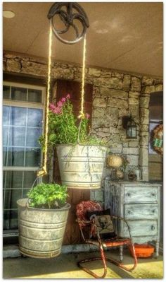 Eclectic Home Tour - Living Vintage - Gartenprojekte - gardening Outdoor Projects, Garden Projects, Diy Projects, Backyard Projects, Diy Gardening, Container Gardening, Organic Gardening, Gardening Gloves, Vegetable Gardening
