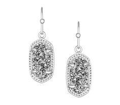 """Add subtle sparkle to a polished look with Kendra Scott's shimmering agate drop earrings. 