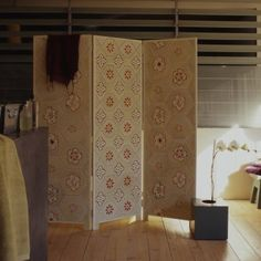Folding screen with Japanese paper