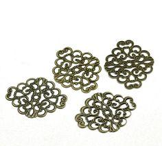 Housweety Bijoux Accessoires 50 Connecteurs Motif Filigrane Bronze 37x30mm: Amazon.fr: Bijoux