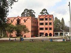En la seccional Oriente comenzó mi participación en el proceso de regionalización de la Universidad de Antioquia porque fue donde inicié con las cátedras para el programa de Tecnología en Regencia de Farmacia. Prime eje misional de la Universidad: LA DOCENCIA