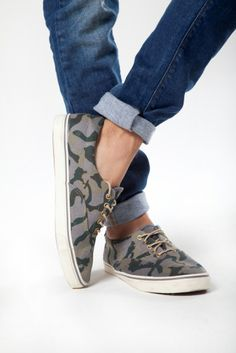 www.tennis.com.co Vans Classic Slip On, Tennis, Sneakers, Shoes, Fashion, Moda, Slippers, Zapatos, Shoes Outlet